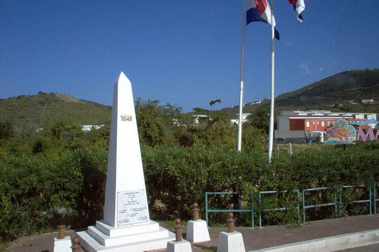 Border monument at crossing from St. Martin to Sint Maarten, dedicated in 2008
