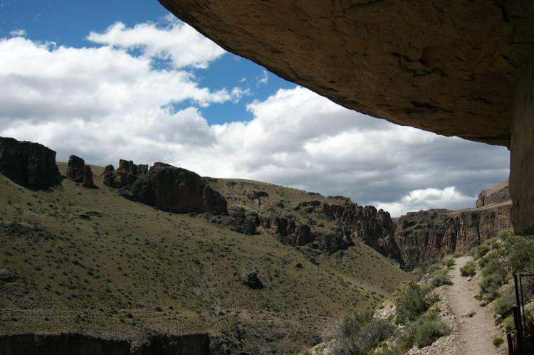 View of the Pinturas River Canyon from the Cave of Hands, Río Pinturas, Argentina