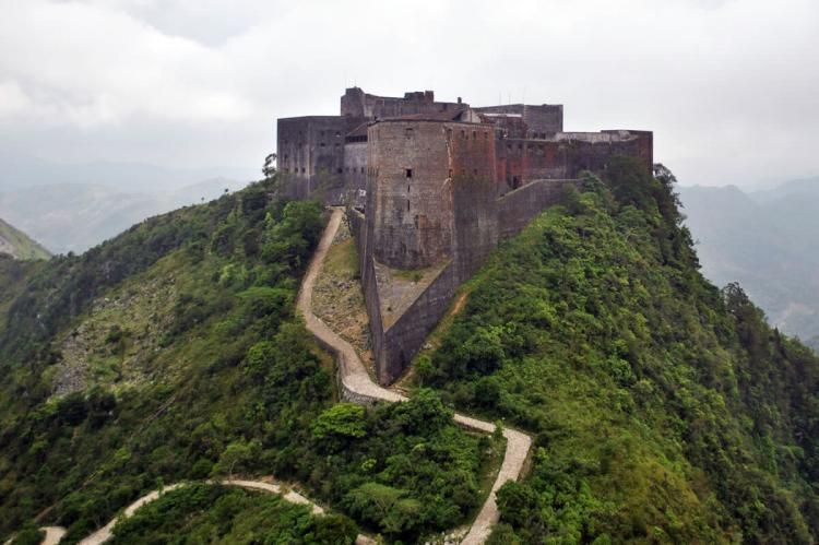 Citadelle Laferrière (Haiti) aerial view from an Army UH-60 Blackhawk during operation Unified Response