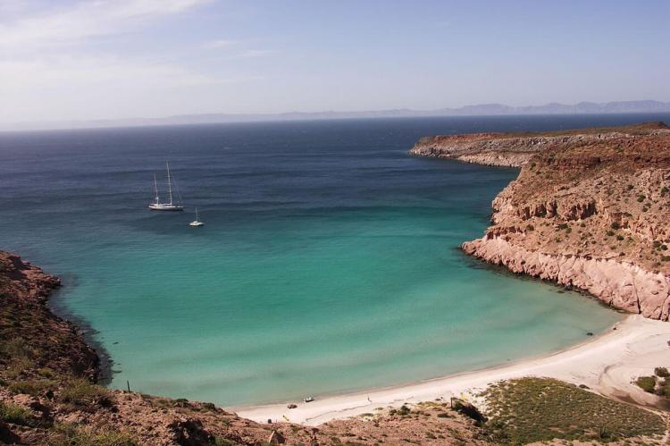 Ensenada Grande beach, Isla Partida, Sea of Cortez, Baja California, Mexico