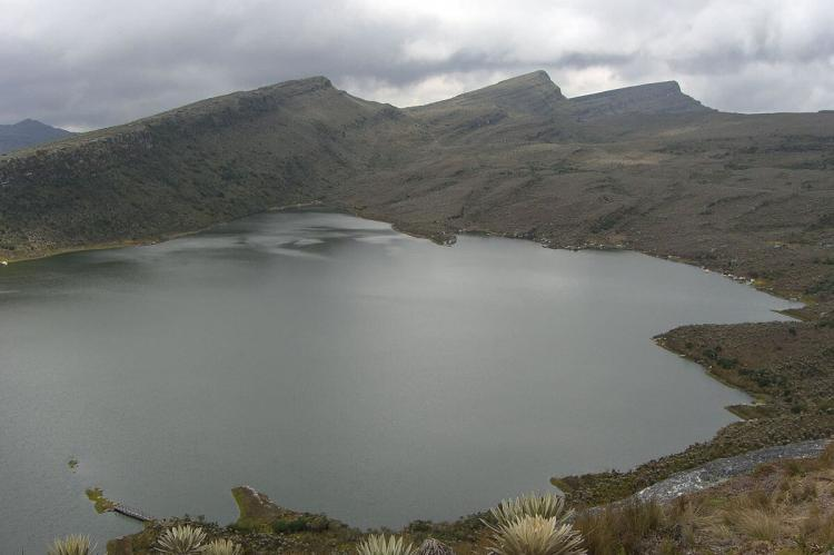 Chisaca Lake at Sumapaz, Páramo de Santa Isabel at Los Nevados National Park (Colombia)