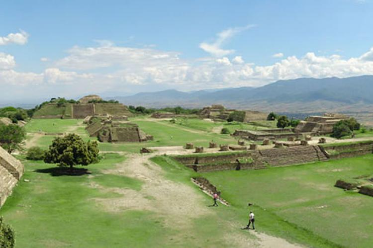 Monte Albán panorama from northern platform