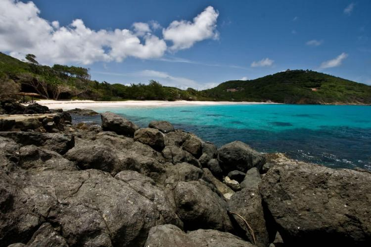 Macaroni Bay, Mustique, Grenadines