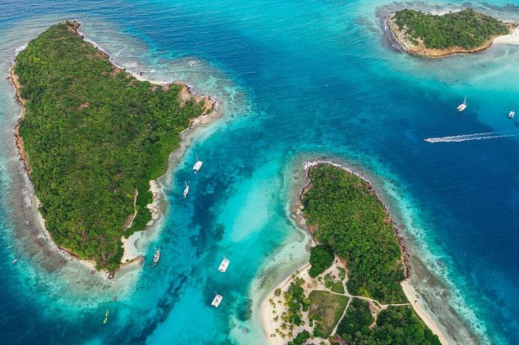 Arial view of the Tobago Cays, Saint Vincent and the Grenadines